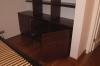 Полки со шкафом из массива дуба для размещения под лестницей - открытые дверцы шкафа