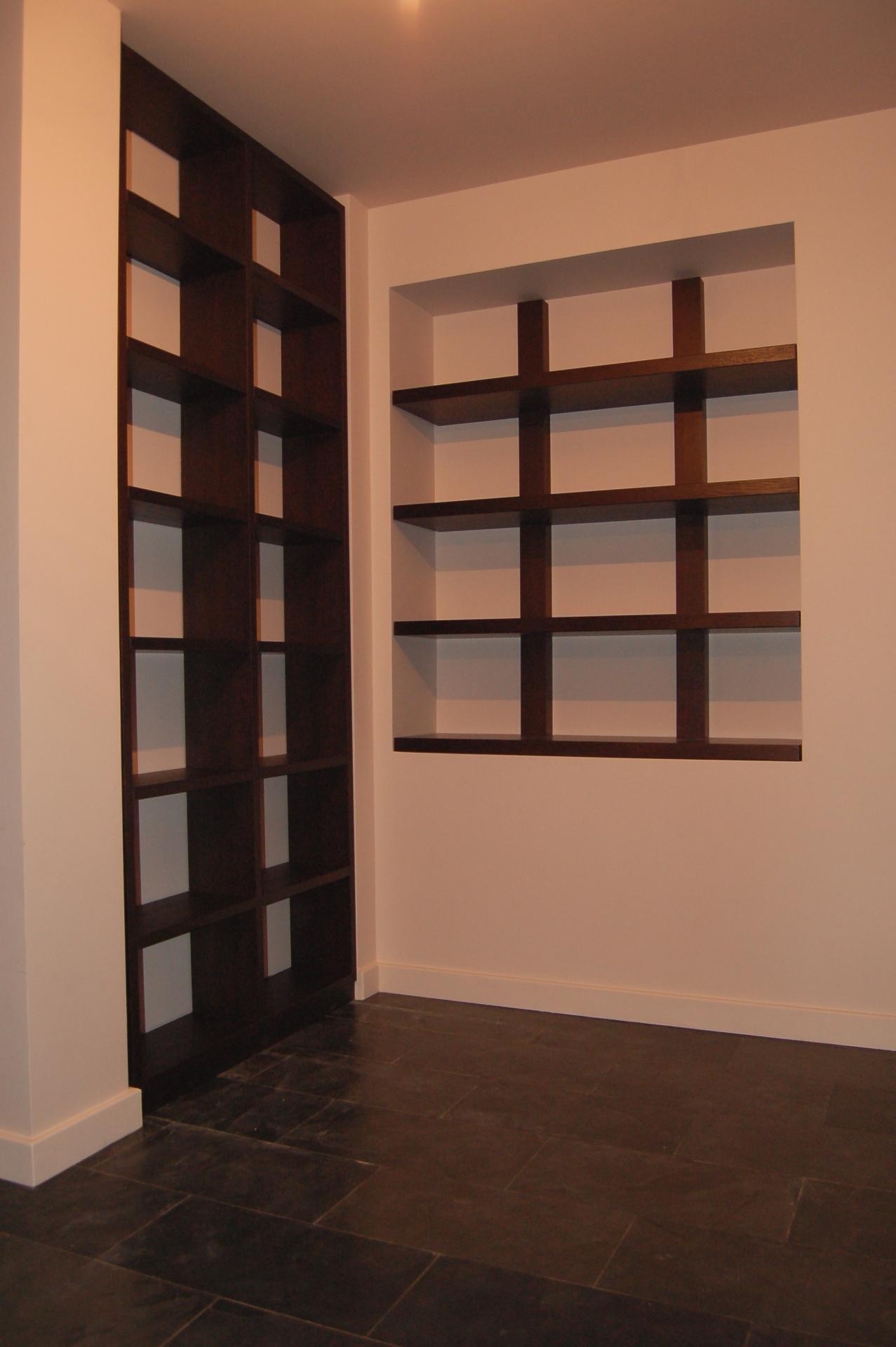 Полки из дерева изготовленные в нашем мебельном доме полки и.