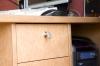 Компьютерный стол из массива вишни - ручка бокового ящика