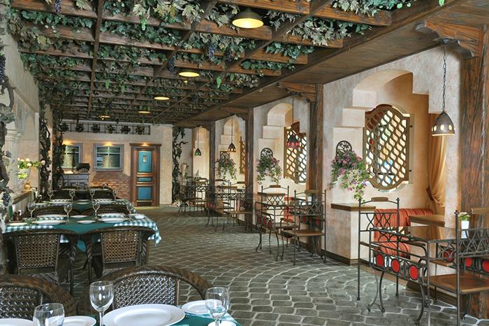 Ресторан с оформлением в Средиземноморском стиле